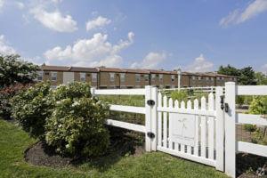 Korman Residential - Willow Shores Garden Entrance