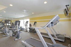 Korman Residential at Willow Shores apartment fitness center