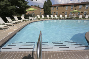 Korman Residential at Willow Shores Swimming Pool